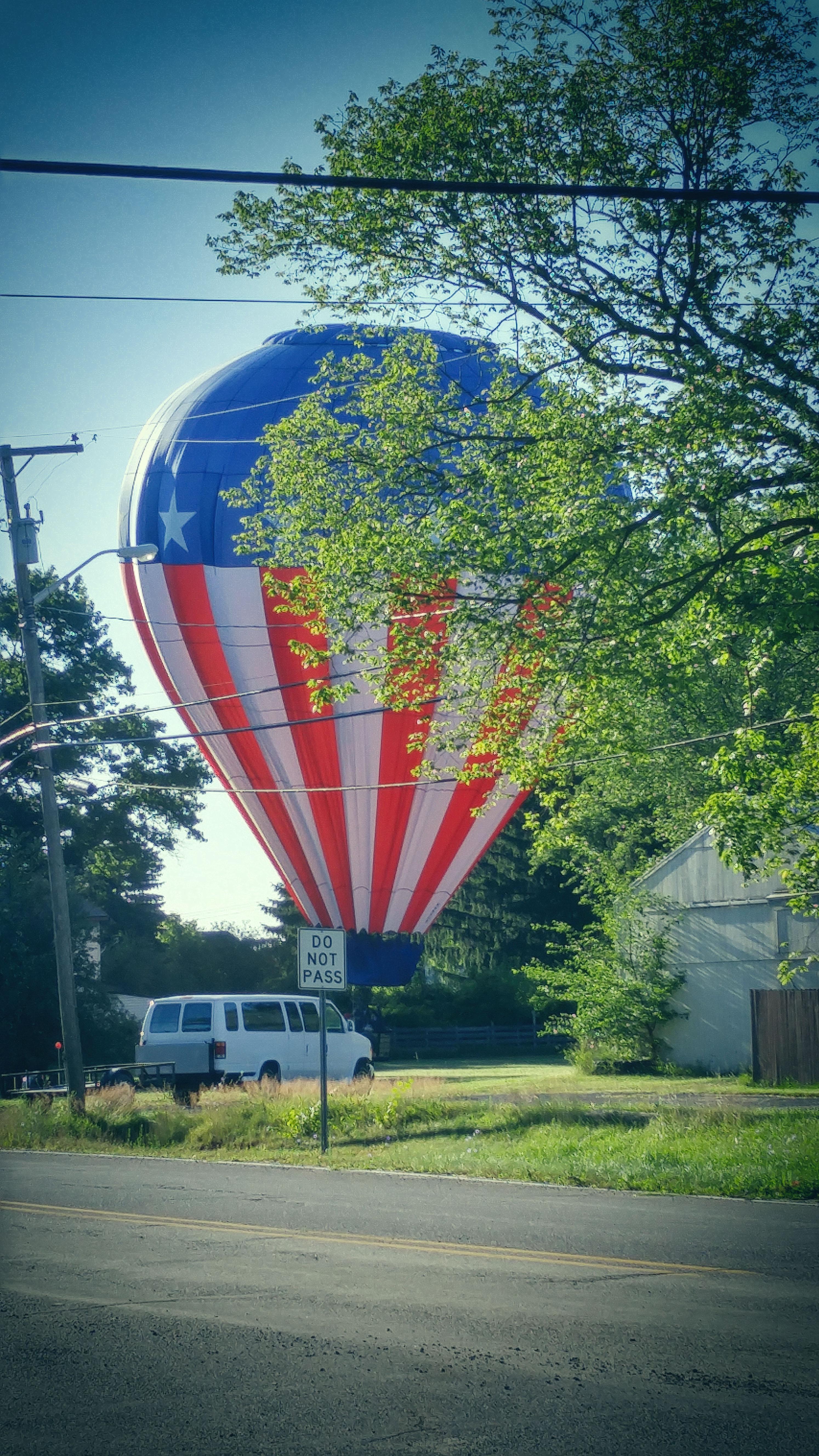 Hot Air Balloon perfect crash landing