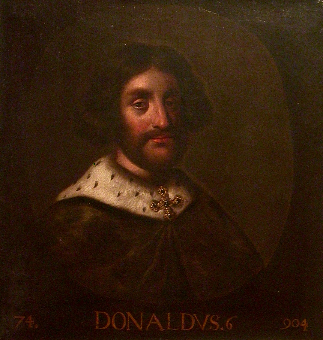 Donald_II_of_Scotland_(Holyrood) 35th great-grandfather